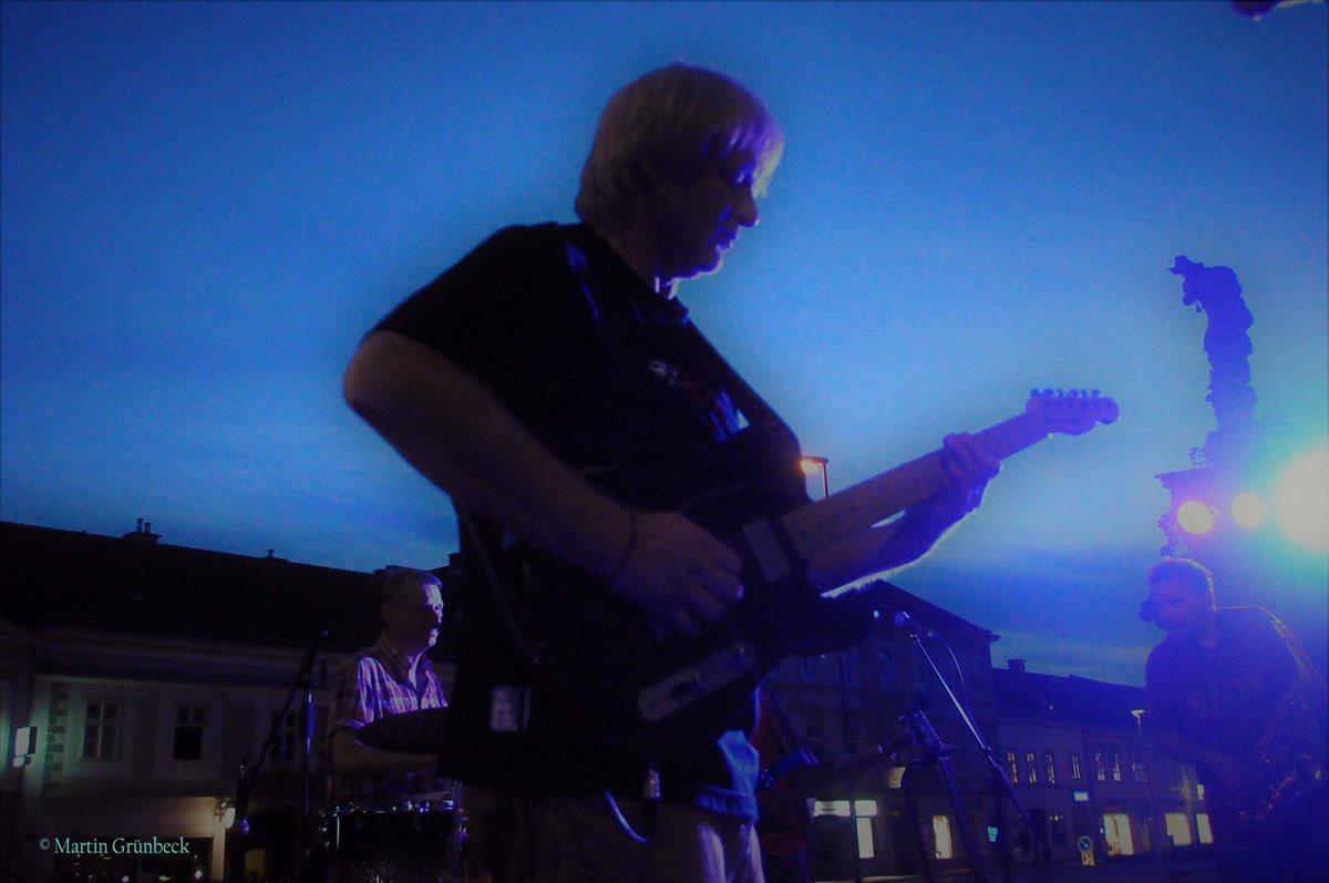 Hari Live @ Korneuburg Rathaussession zur blauen Stunde, Foto von Martin Grünbeck